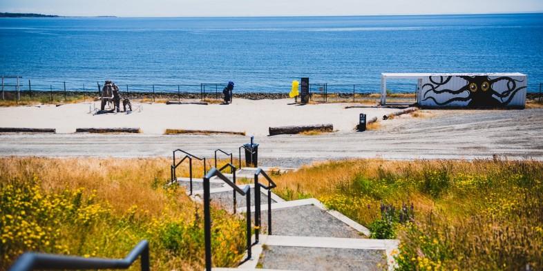 beach park stairs