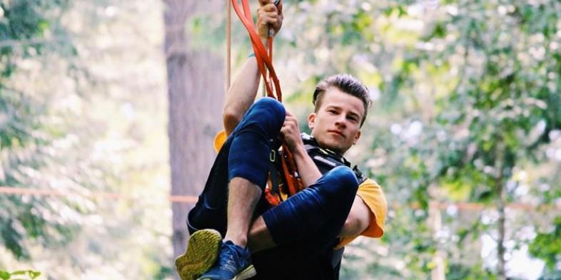 wildplay - guy ziplining