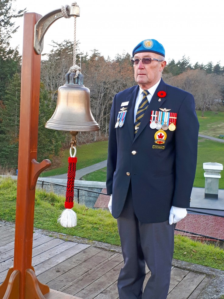 bell ringer at Fort Rodd HIll